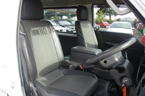Mazda Bongo DX VAN 2015