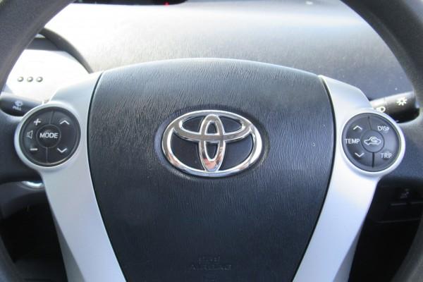 Toyota Prius L 2013