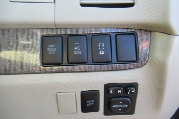 Toyota Estima 4WD HYBRID 2010