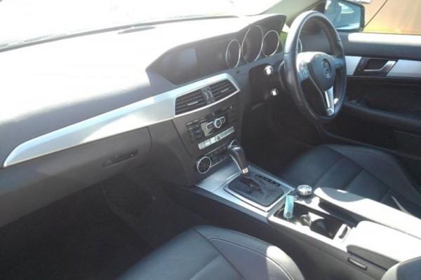 Mercedes-Benz C180  2013