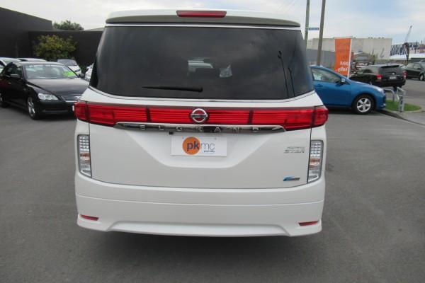 Nissan Elgrand 250 HIGHWA 2012