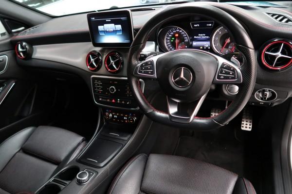 Mercedes-Benz CLA250 4M SPORT 2015