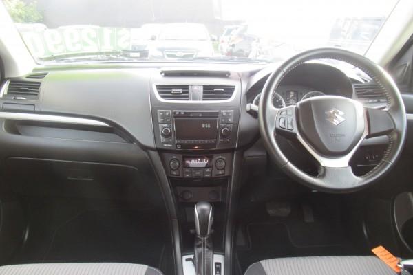 Suzuki Swift RS 2011
