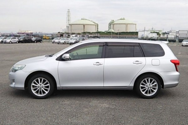 Toyota Corolla Fielder 1.8S 2011