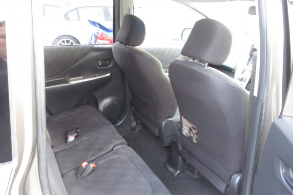 Toyota Ractis 1.5 GL 2006