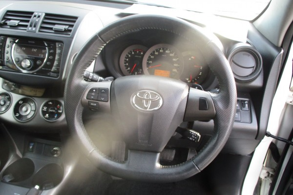 Toyota Vanguard 240S 7SEAT 2012