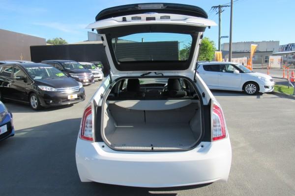 Toyota Prius 1.8S HYBRI 2012
