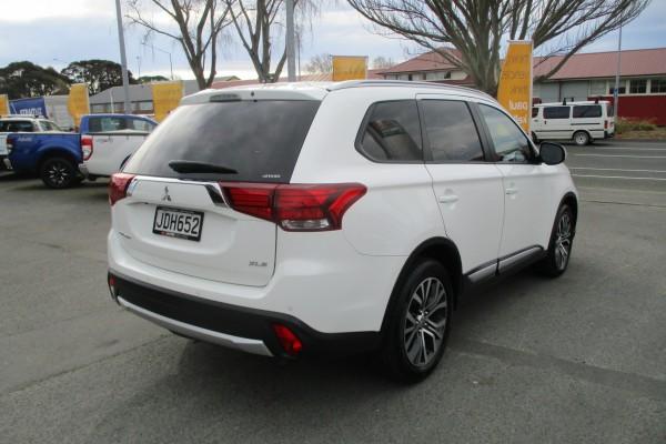 Mitsubishi Outlander XLS 4X4 2015