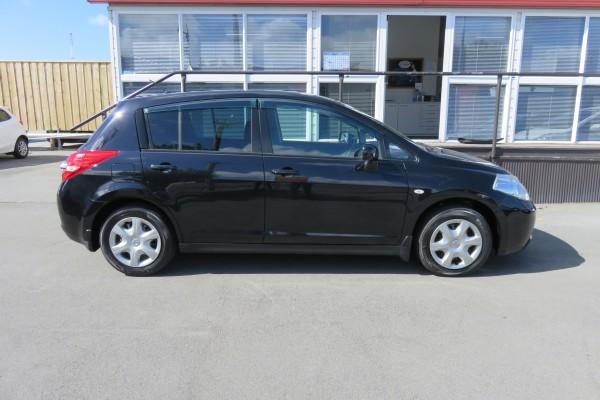 Nissan TIIDA 15M 2010