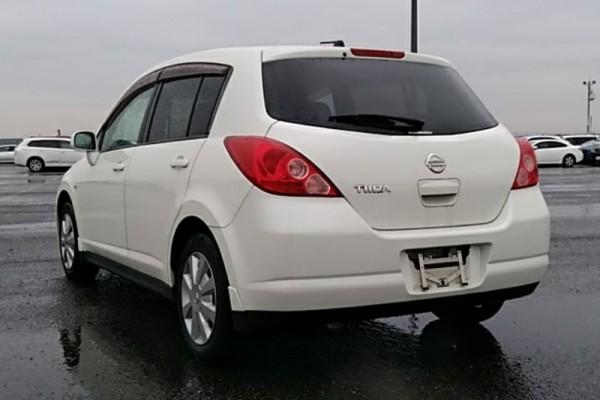 Nissan TIIDA 15M 2007