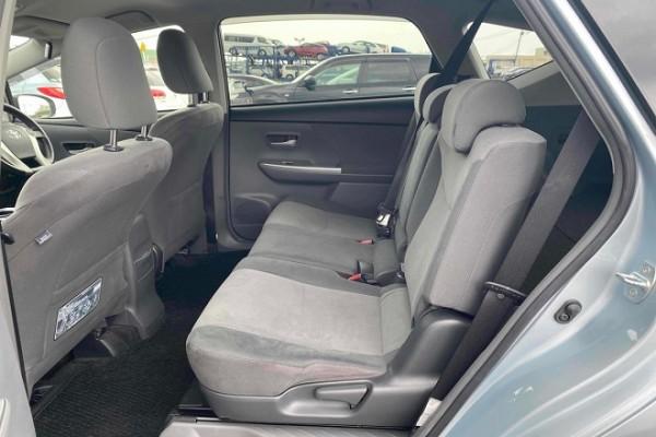Toyota Prius ALPHA S TO 2013