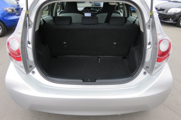 Toyota Aqua 1.5 HYBRID 2014