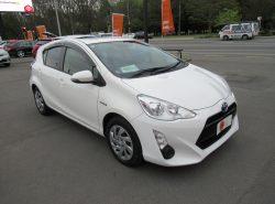 Toyota Aqua 1.5S HYBRI 2015