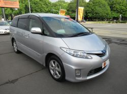 Toyota Estima G 4WD HYBR 2011
